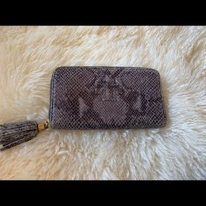 Tory Burch Thea Snake Zip Continental Wallet